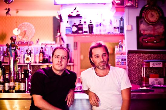 Fernando con Íñigo Coppel, unos de los músicos que actuarán el día 20.