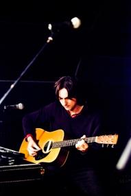 Carlos Soler con la acústica.
