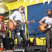 Rebelión en la Granja, el auténtico mercado de la música